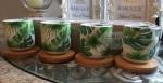 Набор чашек на деревянной подставке (тропики)
